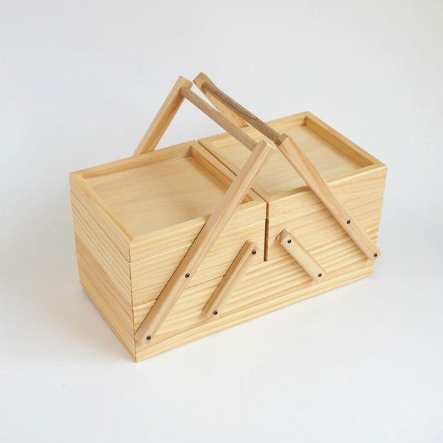 レトロな木製のソーイングボックスで楽しい気分の手芸タイム