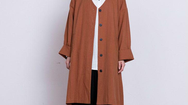 大人の秋のカジュアルスタイルにぴったりのコート